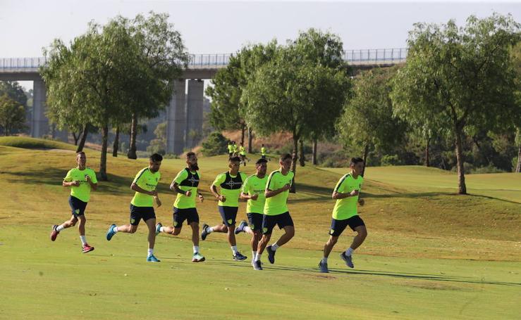Entrenamiento de Málaga en el campo de golf Capanes