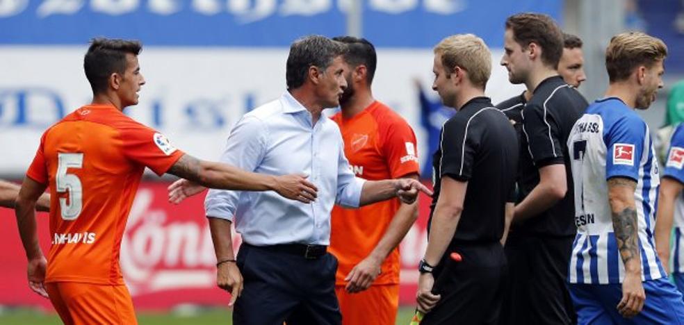 El Málaga, último en Duisburgo tras un nefasto arbitraje