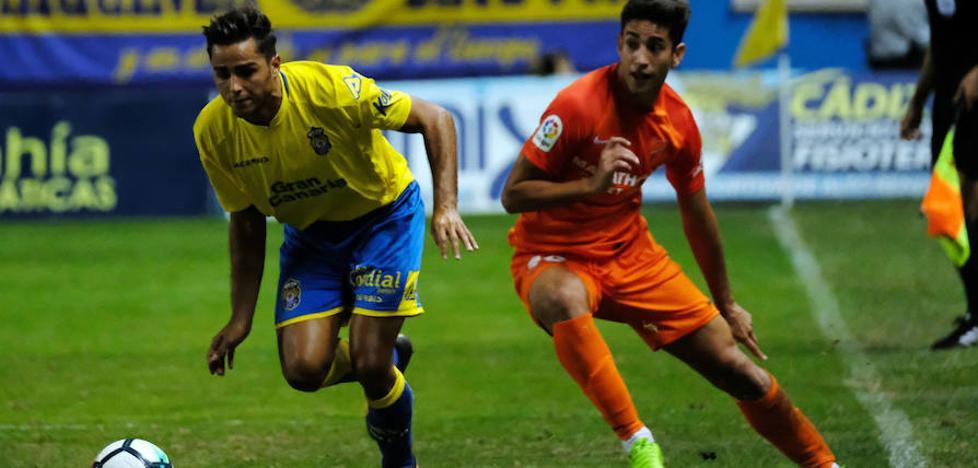 La 'cara B' del Málaga cede el Carranza (0-2)