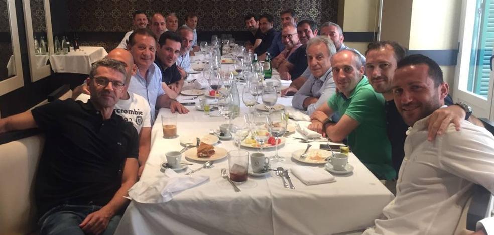 Comida de hermandad del Málaga antes de la Liga