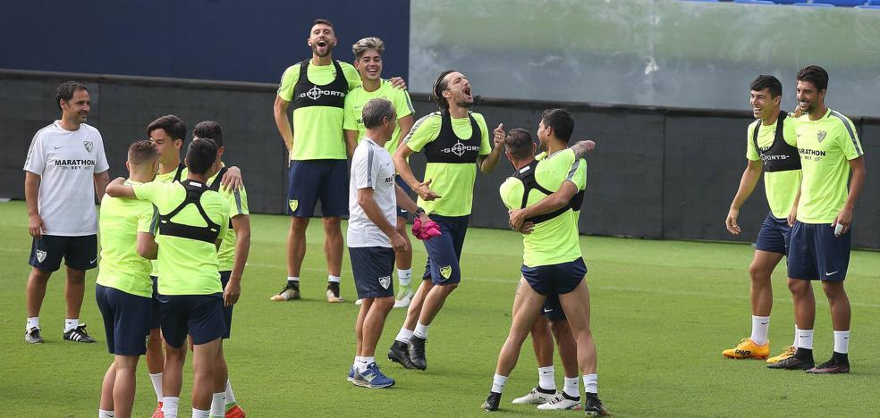El técnico del Málaga, con sólo 17 jugadores de campo disponibles