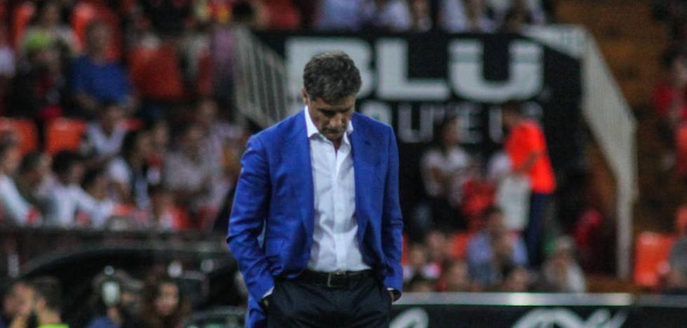 Míchel: «Tengo la moral intacta, pero lo siento por la afición y los jugadores»