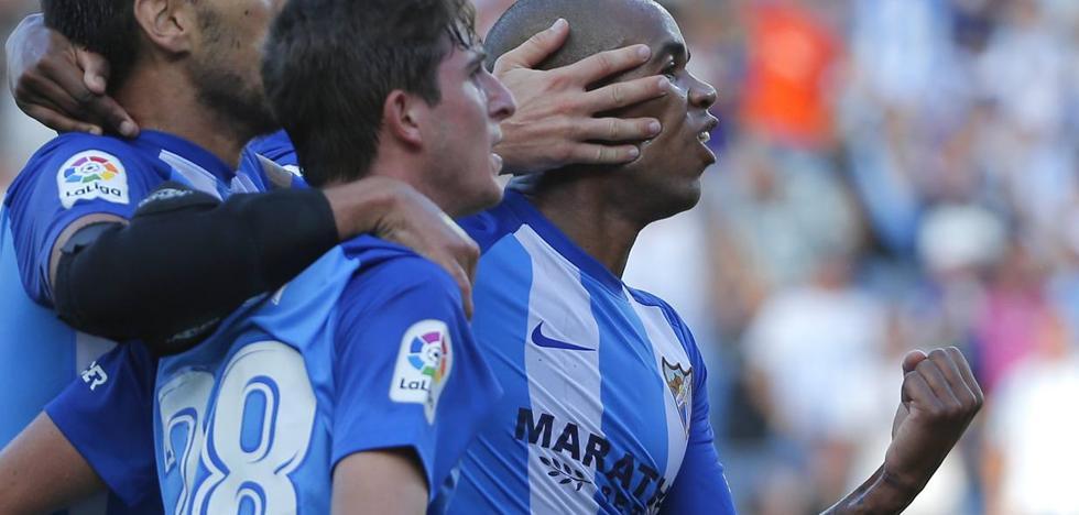 El Málaga salva los muebles con uno menos frente al Athletic (3-3)