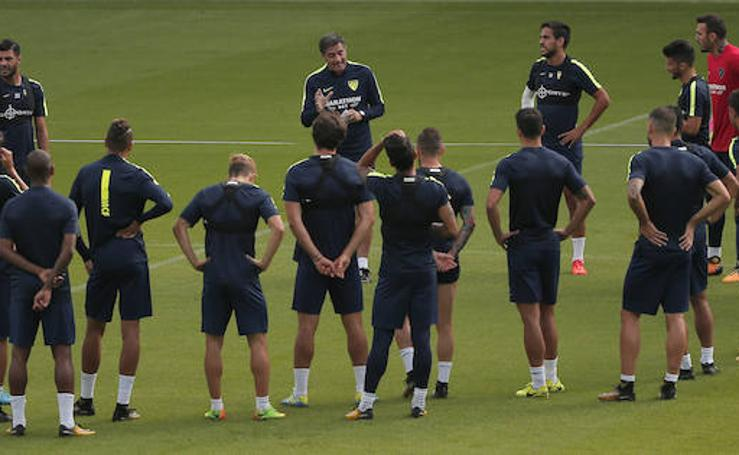 El entrenamiento del Málaga CF previo a su encuentro con el Leganés, en fotos