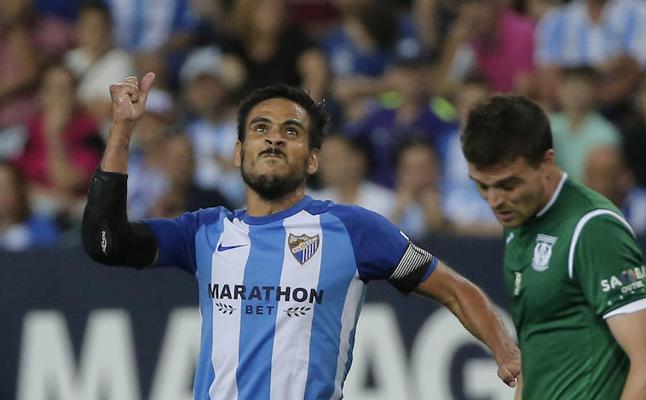 El Málaga se da un tiro en el pie en un día clave