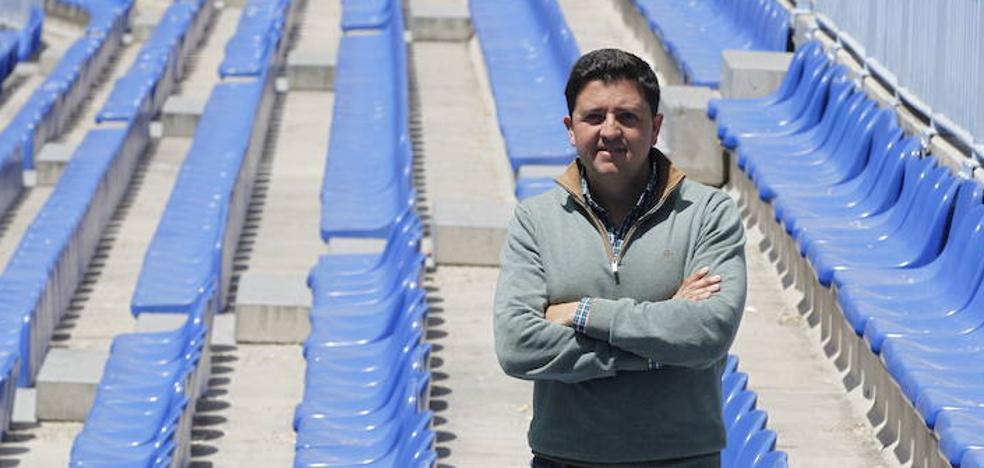 El director de la Academia del Málaga la deja para fichar por el Betis