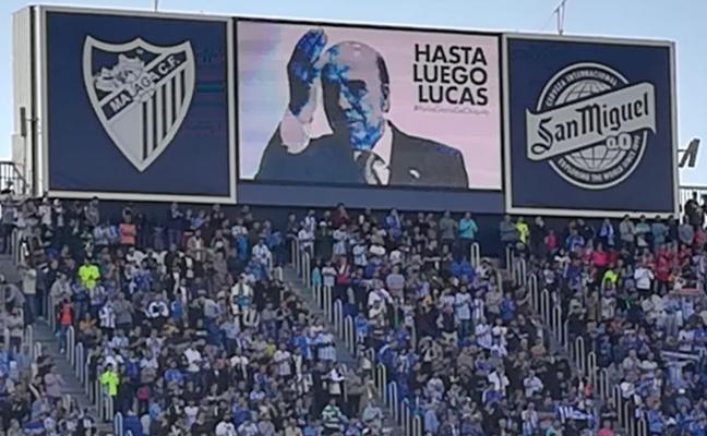 «Hasta luego, Lucas». El emotivo minuto de silencio en memoria de Chiquito de la Calzada