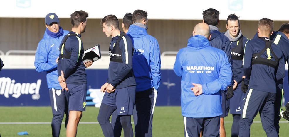 José González mezcla a los futbolistas en el Málaga-Lausanne para transmitir sus conceptos