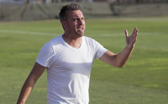 Tapia destituye a Ruano como entrenador del Atlético Malagueño