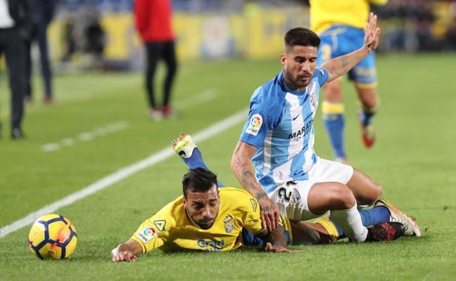 El Málaga, herido y abandonado a su suerte