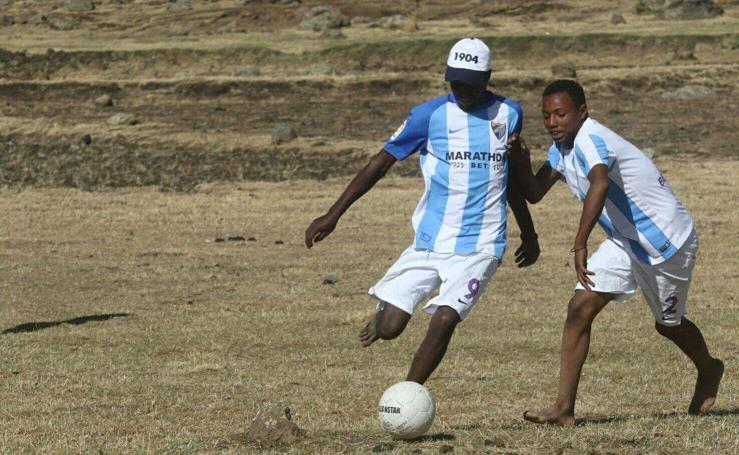 Un trozo del Málaga CF llega a un recóndito poblado al norte de Etiopía