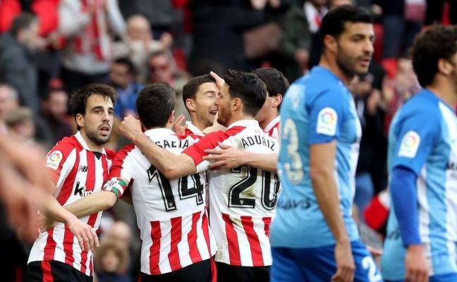 Un Málaga sin recursos ni fe, otra vez un desastre (2-1)
