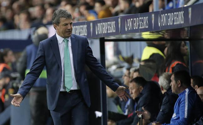 El Málaga tira la toalla y sigue con Jose