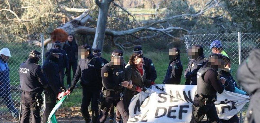 Desalojados los ecologistas acampados en Arraijanal