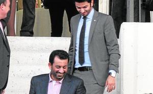 Shatat se querella contra el jeque Al-Thani