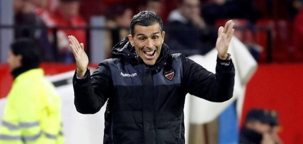 El jeque dice que sólo quiere a Muñiz de técnico en el Málaga, y este rechaza la oferta