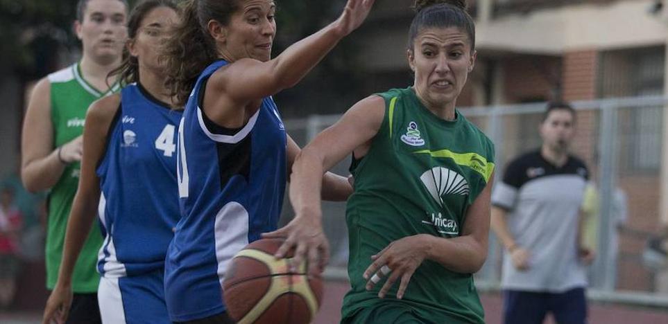 La Fundación Unicaja impulsa la creación de una sección femenina en el club