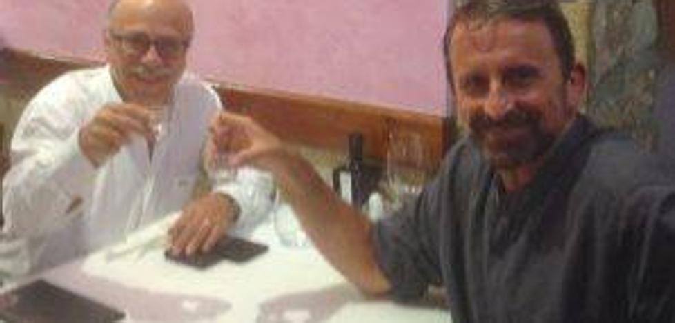 Plaza celebra su renovación en una cena con Eduardo García