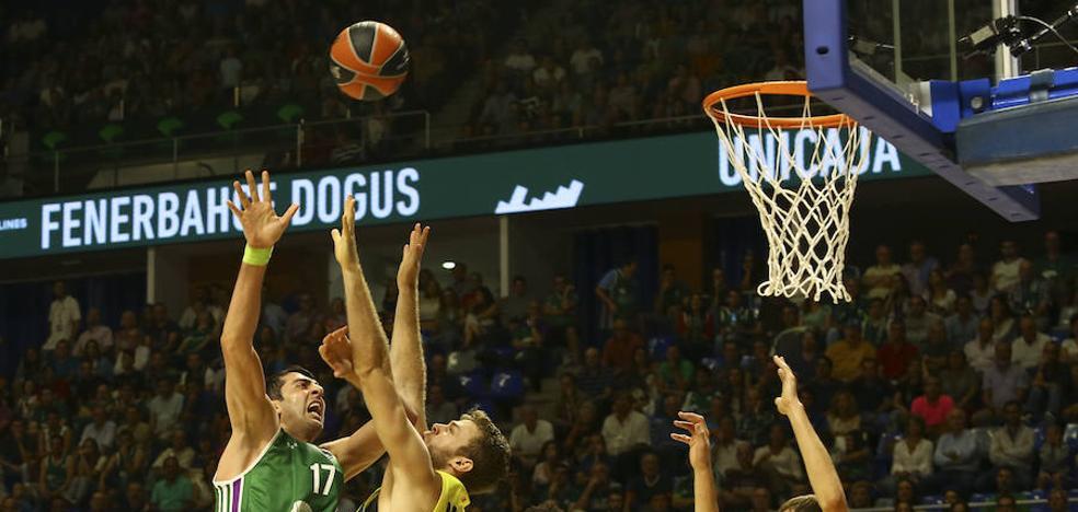 El Unicaja se estrena con victoria en la Euroliga (68-67)