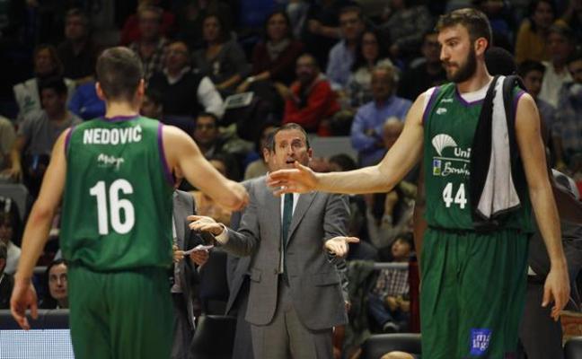 Los jugadores del Unicaja, ante el dilema de las 'ventanas' FIBA