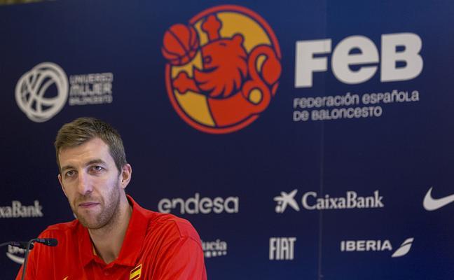 Fran Vázquez y la selección: de las supuestas novatadas a ser el capitán