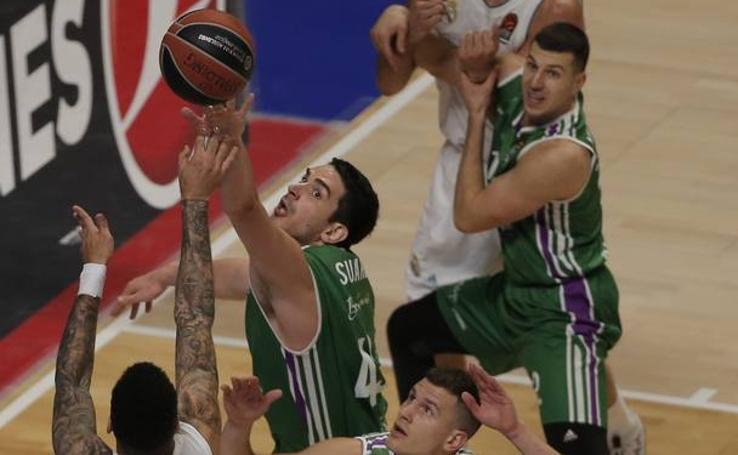 El Unicaja doblega al Real Madrid