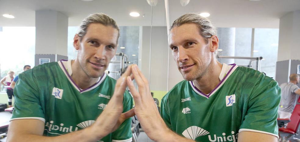 Walter Herrmann: «El Unicaja tiene todas las posibilidades de superar al Madrid, todas; la Copa es así»