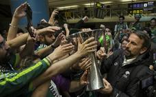 Así fue la celebración del Unicaja tras ganar la Eurocup, en fotos