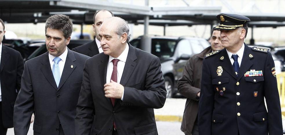 La 'policía política' que tanto temen el PP y el PSOE