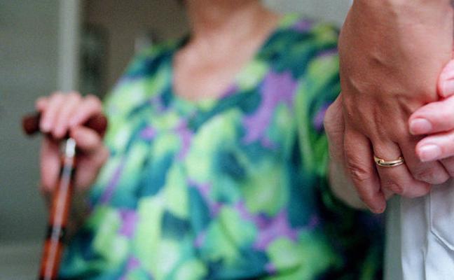 S. O. S. de la Fundación Harena ante el aumento de mayores que se quedan solos en verano