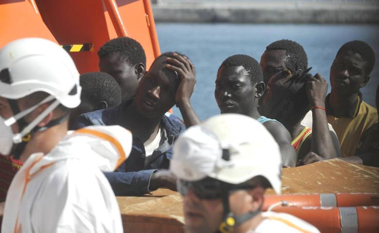 Llegan al puerto de Málaga 94 inmigrantes