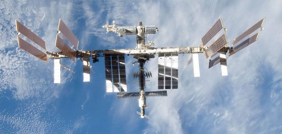 la Estación Espacial internacional, a simple vista