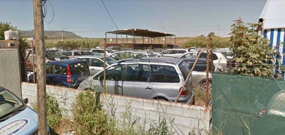 Roban 12 vehículos de alta gama en un parking privado junto al aeropuerto