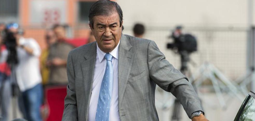 Cascos asegura que solo hablaba con Bárcenas de «arte, toros y fútbol»