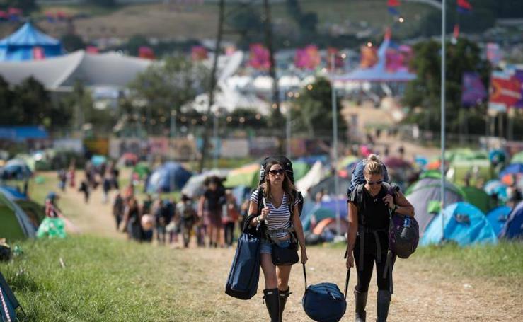 Los asistentes al Festival de Glastonbury vuelven a casa