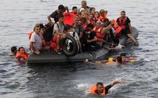 Rescatados cerca de 5.000 inmigrantes en un día en el Mediterráneo central