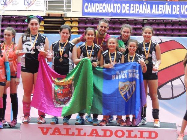 Las alevines de La Colina-Unideba, en lo más alto del podio del Estatal alevín :: sur