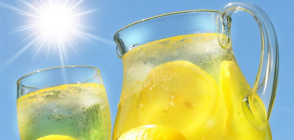 Bebidas refrescantes caseras para combatir el calor del verano