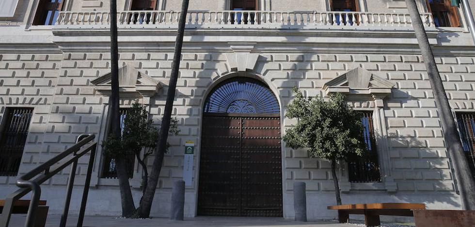 La Junta culpa ahora al Gobierno del cierre de la Aduana por las tardes