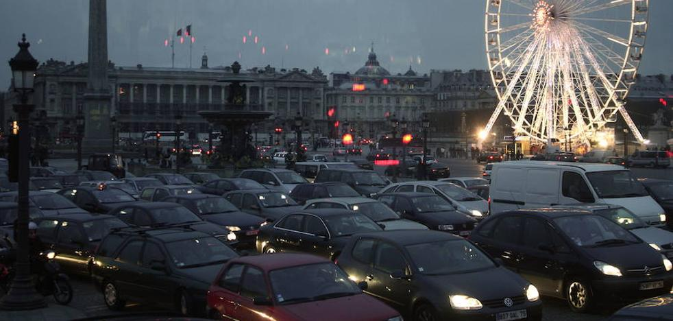 Francia dejará de vender coches de gasolina y gasóleo en 2040