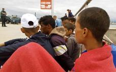 La Junta pide al Gobierno un plan de coordinación ante el incremento de pateras con menores