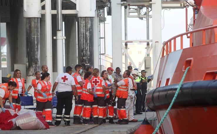 Rescatan a 53 inmigrantes frente a la costa de Málaga