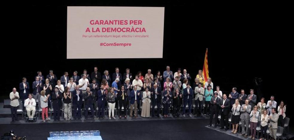 La Guardia Civil entra en el Teatro de Cataluña para pedir información del 1-O