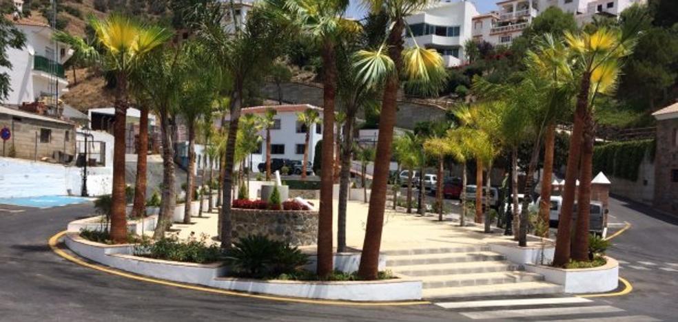 Totalán estrena una plaza dedicada a Antonio Molina