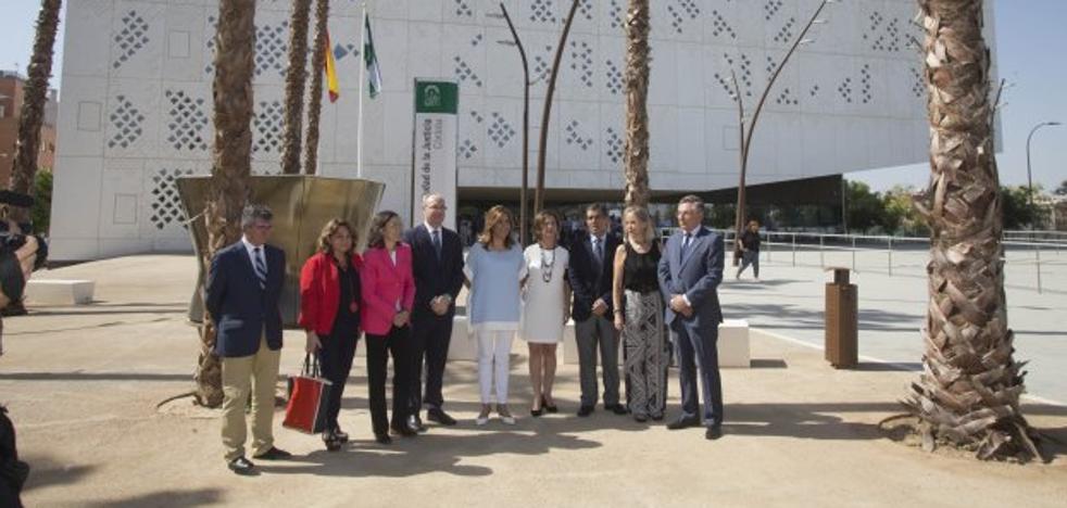 El Gobierno recurre contra las 35 horas de los funcionarios andaluces