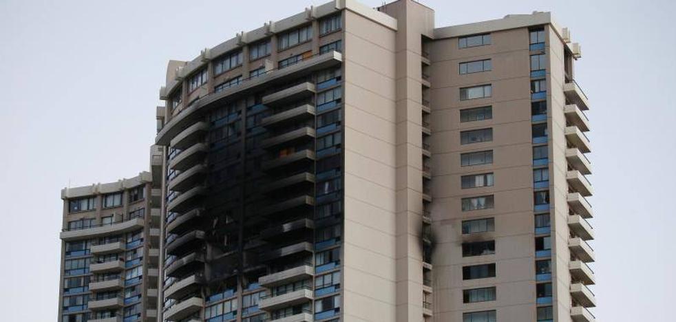 Tres muertos durante el incendio de un rascacielos en Hawái