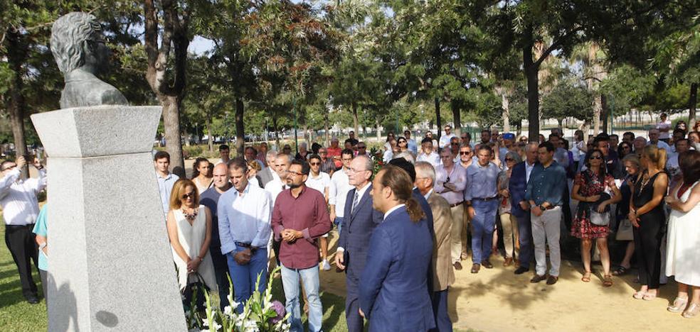 Juanma Moreno: «Todos los días echamos de menos a José María Martín Carpena»