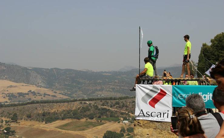Fotos de una de las pruebas del Campeonato mundial de salto base en el Tajo de Ronda