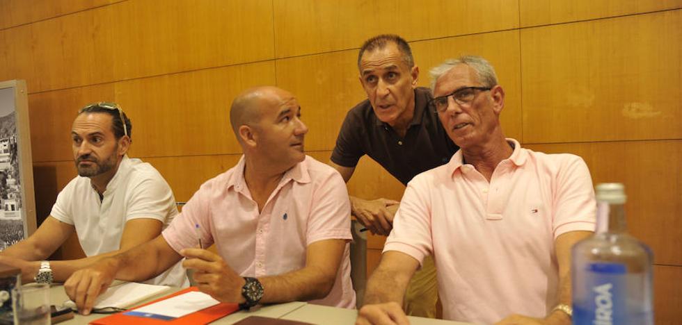Los trabajadores de Limasa dejan la puerta abierta a movilizaciones en Feria