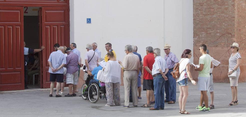 Los abonados denuncian ante la Junta a la empresa de la Malagueta por incumplir el reglamento taurino